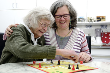 Senioren Häusliche Altenpflege Betreuung