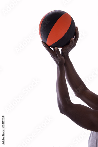 Palla Da Basket E Mani Di Uomo Su Sfondo Bianco Stock Photo And
