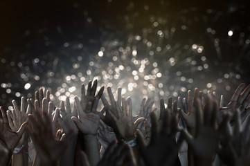 Hände während eines Konzertes