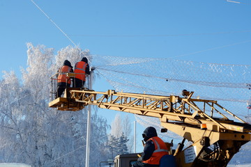 workers remove an accident during a hard frost