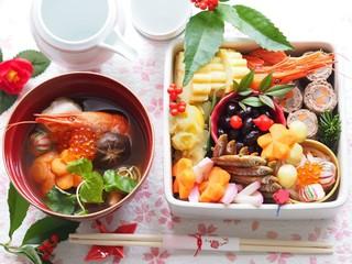お正月のおせち料理とお雑煮