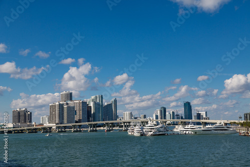 Wall mural Miami Skyline from Biscayne Bay