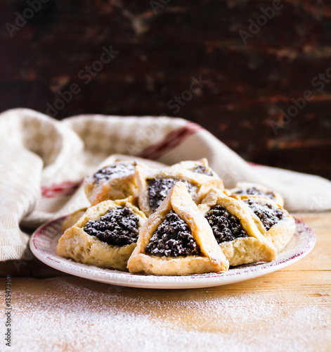 ... : Hamantaschen cookies with poppy seed and dried fruits filling