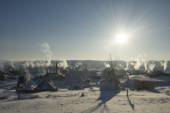 Bright sun at Oceti Sakowin Camp in the early morning, Cannon Ball, North Dakota, USA, January 2017