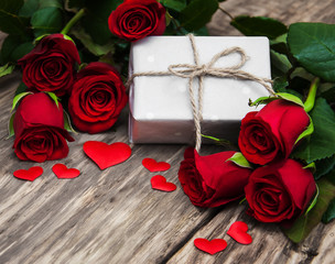 Red roses and gift box