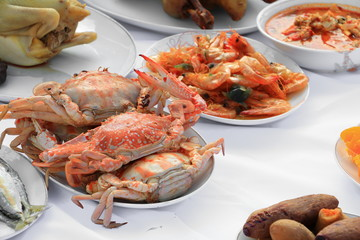 Steamed crab  close up on plate  and food many in home party