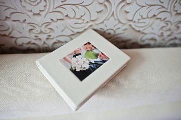 Luxury white classic leather wedding flash box.