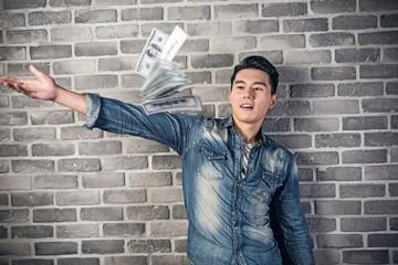 man throw the cash