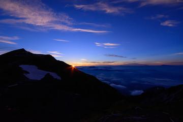 長野 北アルプス 白馬岳と朝日