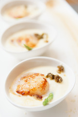 Grilled sea scallop with cream sauce