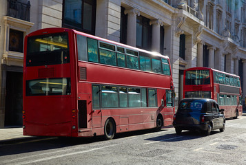 Foto op Plexiglas Londen rode bus London financial district street Square Mile UK