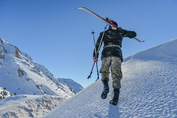 kayakçı zirve tırmanışı