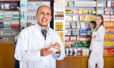 Positive  glad pharmacist and pharmacy technician