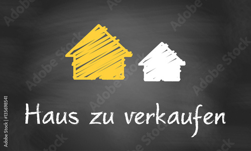 haus zu verkaufen stockfotos und lizenzfreie vektoren auf bild 135698541. Black Bedroom Furniture Sets. Home Design Ideas