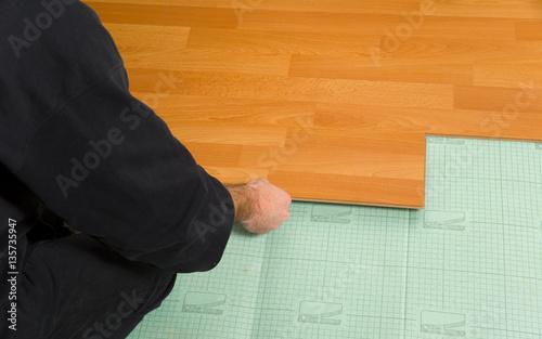 preis laminat verlegen kosten laminat verlegen schn experten tipps rund um laminat planeo zum. Black Bedroom Furniture Sets. Home Design Ideas