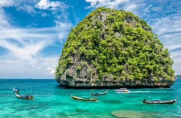 Obraz Beautiful uninhabited island in Thailand - fototapety do salonu