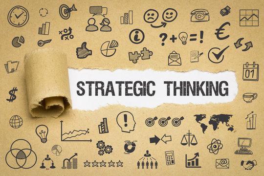 Strategic Thinking / Papier mit Symbole