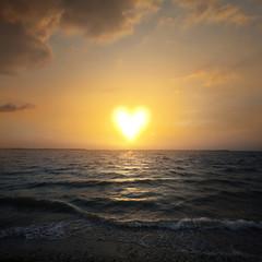 Fototapete - Heart shaped sun