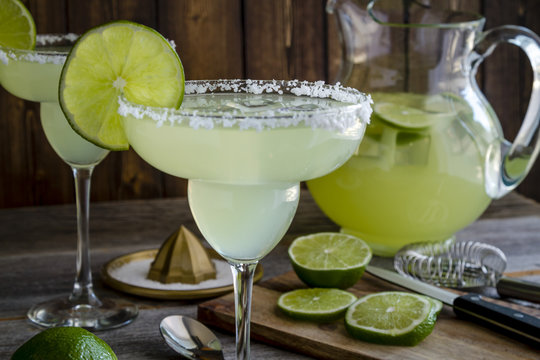 Classic Lime Margarita Drinks