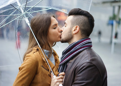 Poljubite osobu iznad - Page 27 360_F_135938391_C7YwZ9hqo4oMoeZyohDToACrVXZOZQeb