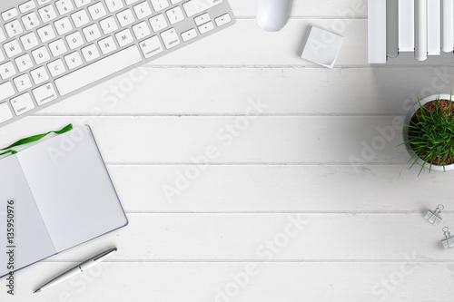 Moderner schreibtisch von oben mit diversem b romaterial for Schreibtisch von oben