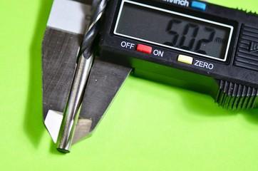 Digital sliding caliper   /