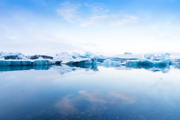 Fotobehang Gletsjers Blue Icebergs in Glacier Lagoon, Jokulsarlon, Iceland