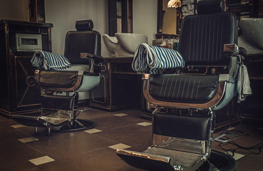 Barber Vintage 2017 : Photo : Professional barber shop vintage interior