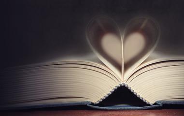 Un cuore fra le pagine di un libro