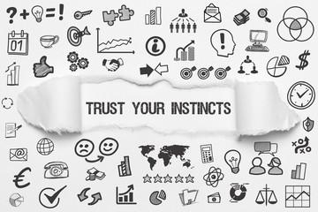 Trust your Instincts / weißes Papier mit Symbole