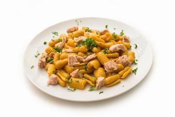Durum wheat semolina pasta with turmeric and tuna