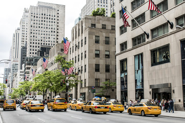 Fototapeten New York TAXI New York City Taxi Streets USA Big Apple Skyline american flag