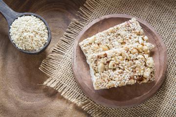 Sesame seeds and cereal bars (Sesamum indicum)