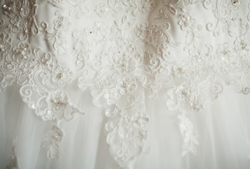 white wedding dresses for beautiful bride