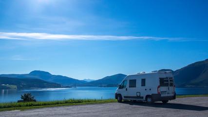 Mit dem Wohnmobil in Norwegen - bei der Kvernes Stavkirke