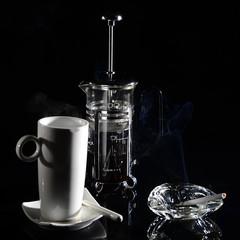 Kaffeetasse mit Zigarette