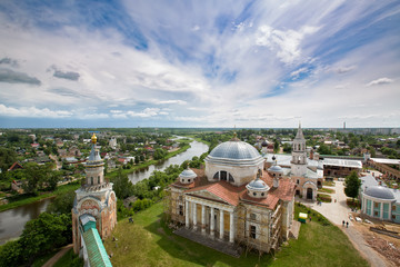 Вид с высоты на старинный русский город Торжок