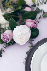 The wedding will be of white and purple roses