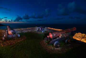 Foto auf Leinwand Befestigung Cannons of Ribadesella