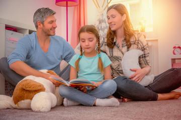 kind erzählt eltern geschichte aus kinderbuch