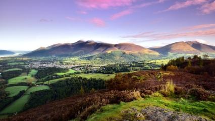 Foto auf Gartenposter Gebirge Pink morning skies over Keswick