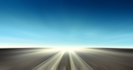 Strada asfaltata con cielo blu - In viaggio verso l'infinito