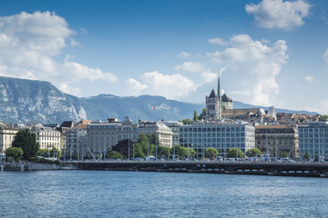 Photo sur Plexiglas Ville sur l eau Coast and old town over Lake Geneva