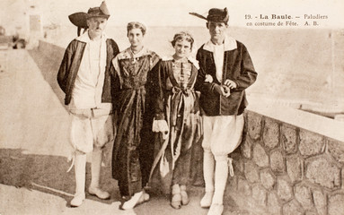 Carte postale ancienne / Paludier en costume de fête
