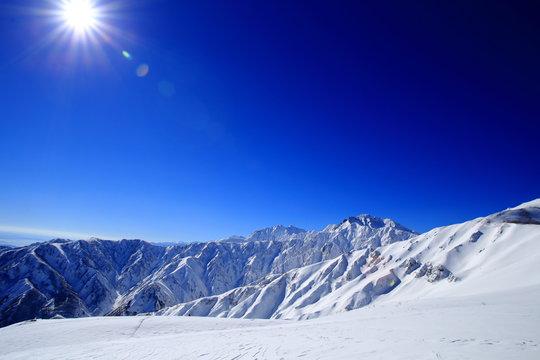 長野県の雪山
