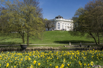 Braunschweig, Schloss Richmond im Frühjahr.