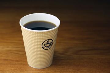 紙コップのコーヒー