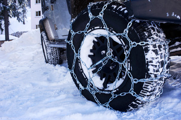 the chains snow