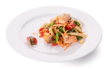vegetables salad with potato fries
