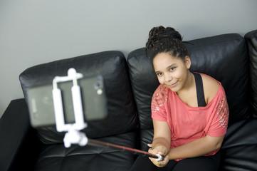 Selfy dans le salon de la maison